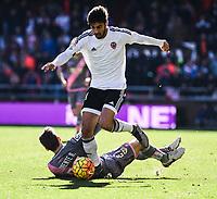 Valencia CF's Andre Gomes  and Rayo Vallecano's  Llorente during La Liga match. January 17, 2016. (ALTERPHOTOS/Javier Comos)