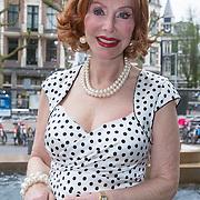 """NLD/Amsterdam/20130613 - Presentatie erotische triller """" Kamer 303 """" van Claudia Schoemacher - van Zweden, Marijke Helwegen"""