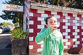 Joe's Donut Shop, Sandy Oregon