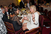 POLLY SAMSON; HELEN FIELDING, Man Booker prize 2011. Guildhall. London. 18 October 2011. <br /> <br />  , -DO NOT ARCHIVE-© Copyright Photograph by Dafydd Jones. 248 Clapham Rd. London SW9 0PZ. Tel 0207 820 0771. www.dafjones.com.