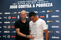 Zinedine Zidane e Ronaldo Nazário durante a conferência de imprensa no Sheraton Porto Alegre Hotel sobre a 10ª edição do Jogo Contra a Pobreza - Match Against Poverty. FOTO: Jefferson Bernardes/Preview.com