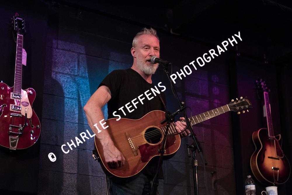 Chris Barron performs at McCabe's Guitar Shop in Santa Monica, California on October 26, 2018 (Photo: Charlie Steffens/Gnarlyfotos)