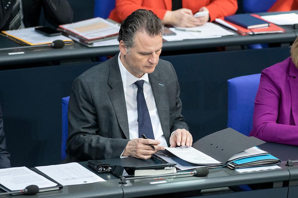 13 FEB 2020, BERLIN/GERMANY:<br /> Guenter Krings, CDU, Parl. Staatssekretaer im Bundesinnenministerium, Sitzung des Deutsche Bundestages, Plenum, Reichstagsgebaeude<br /> IMAGE: 20200213-01-012