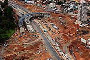 Belo Horizonte_MG, Brasil...Obras de duplicacao da avenida Antonio Carlos, projeto Linha Verde...The works to turn a dual-carriage-way in Antonio Carlos avenue, The Linha Verde project...Foto: BRUNO MAGALHAES / NITRO