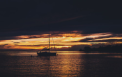 THEMENBILD - ein Segelboot bei Sonnenuntergang, aufgenommen am 03. Juli 2020 in Novigrad, Kroatien // a sailing boat in the harbour at sunset, in Novigrad, Croatia on 2020/07/03. EXPA Pictures © 2020, PhotoCredit: EXPA/ Stefanie Oberhauser