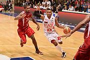 DESCRIZIONE : Desio campionato serie A 2013/14 EA7 Olimpia Milano Giorgio Tesi Group Piastoia <br /> GIOCATORE : Keith Langford<br /> CATEGORIA : palleggio<br /> SQUADRA : EA7 Olimpia Milano<br /> EVENTO : Campionato serie A 2013/14<br /> GARA : EA7 Olimpia Milano Giorgio Tesi Group Piastoia<br /> DATA : 04/11/2013<br /> SPORT : Pallacanestro <br /> AUTORE : Agenzia Ciamillo-Castoria/R. Morgano<br /> Galleria : Lega Basket A 2013-2014  <br /> Fotonotizia : Desio campionato serie A 2013/14 EA7 Olimpia Milano Giorgio Tesi Group Piastoia<br /> Predefinita :