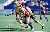 THE HAGUE - South Africa (RSA) vs England. Kate Richardson-Walsh (l) fron England with Marsha Cox.  COPYRIGHT KOEN SUYK