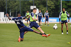 24.04.2014, Veltins Arena, Gelsenkirchen, GER, 1. FBL, Training Schalke 04, im Bild Zweikampf im Trainingsspiel zwischen v.l.n.r. Felipe Santana und Julian Draxler ( beide Schalke 04 ) // during a Trainingsession of German Bundesliga Club Schalke 04 at the Veltins Arena in Gelsenkirchen, Germany on 2014/04/24. EXPA Pictures © 2014, PhotoCredit: EXPA/ Eibner-Pressefoto/ Thienel<br /> <br /> *****ATTENTION - OUT of GER*****