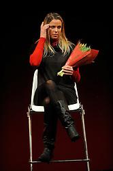 13-12-2010 ALGEMEEN: TOPSPORT GALA AMSTERDAM: AMSTERDAM<br /> In de Westergasfabriek werd het gala van de beste sportman, -vrouw, coach en ploeg gekozen / Elke Schuil Wijnhoven, zat op het podium voor de genomineerde Richard Schuil<br /> ©2010-WWW.FOTOHOOGENDOORN.NL