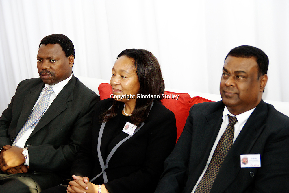 DURBAN - 20 July 2007 - KwaZulu-Natal finance MEC Dr Zweli Mkhize, Absa Bank's managing executive for small business Daphne Motsepe and Absa Bank's KwaZulu-Natal provincial manager for small business Sid Moodley at the opening of an Absa Bank business advisory centre in Durban's Warwick Triangle area..Picture: Giordano Stolley/Allied Picture Press