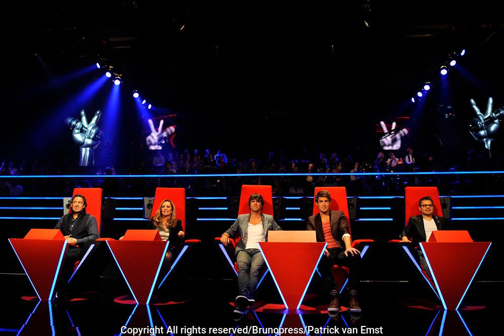 De Juryleden van de Voice of Holland Marco Borsato , Angela Groothuizen , Nick & Simon en Roel van Velzen