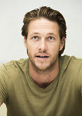 Luke Bracey Hacksaw Ridge Presser - 23 Oct 2016