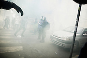 Momenti di tensione tra manifestanti e polizia davanti la sede del Ministero dell'Economia e delle Finanze. Roma, 19 ottobre 2013. Christian Mantuano / OneShot