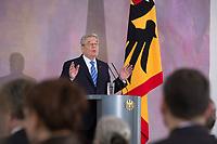 22 FEB 2013, BERLIN/GERMANY:<br /> Joachim Gauck, Bundespraesident, haelt eine Rede zu Europa, Schloss Bellevue<br /> IMAGE: 20130222-02-007<br /> KEYWORDS: Europarede, speech, Europe, Bellevue Forum