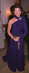 HM QUEEN SILVIA OF SWEDEN, at a dinner in London on 30th November 1998.MMK 42