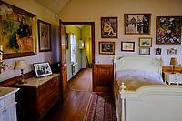 France, Eure (27), Giverny, maison du peintre Claude Monet, la chambre de Claude Monet // France, Eure (27), Giverny, house of the painter Claude Monet