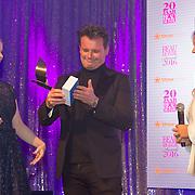 NLD/Amsterdam/20160118 -  Beau Monde Awards 2016, leco van zadelhof krijgt een award