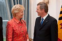 13 JAN 2011, BERLIN/GERMANY:<br /> Erika Steinbach (L), Praesidentin Bund der Vertriebenen. und Christian Wulff (R), Bundespraesident,  Neujahrsempfang des Bundespraesidenten, Schloss Bellevue<br /> IMAGE: 20110113-01-043<br /> KEYWORDS: Bundespräsident