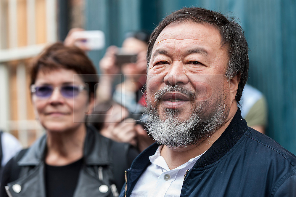 © Licensed to London News Pictures. 17/09/2015. London, UK. Internationally renowned artists, Ai Weiwei and Anish Kapoor, walk in the East End, marking solidarity for refugees in the current crisis by leading a walk from the Royal Academy of Arts in Piccadilly to Stratford, passing many of London's landmarks en route. Photo credit : Stephen Chung/LNP