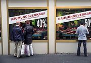 Duitsland, Trier, 21-10-2013Stad in de Eifel met rijke romeinse geschiedenis. Een juwelierszaak houdt opheffingsuitverkoop. Opheffen,sluiten,sluiting,winkel,stoppen,economie,bestedingen,besteden,economische,winkelsluitingFoto: Flip Franssen/Hollandse Hoogte
