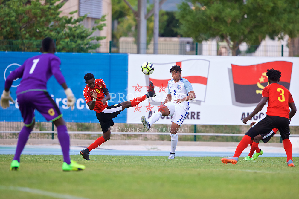 AUBAGNE, FRANCE - Monday, May 29, 2017: England's Reece James during the Toulon Tournament Group A match between England U18 and Angola U20 at the Stade de Lattre-de-Tassigny. (Pic by David Rawcliffe/Propaganda)