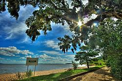 O Parque Estadual de Itapuã é uma unidade de conservação no município de Viamão, no estado do Rio Grande do Sul. Possui 5.566 hectares e foi aberto para visitação em 2002. Localizado a 57 km da capital, protege a última amostra dos ecossistemas originais da Região Metropolitana de Porto Alegre. O ambiente é repleto de campos, matas, dunas, lagoas, praias e morros que ficam às margens do Rio Guaíba e da Laguna dos Patos. FOTO: Jefferson Bernardes/Preview.com