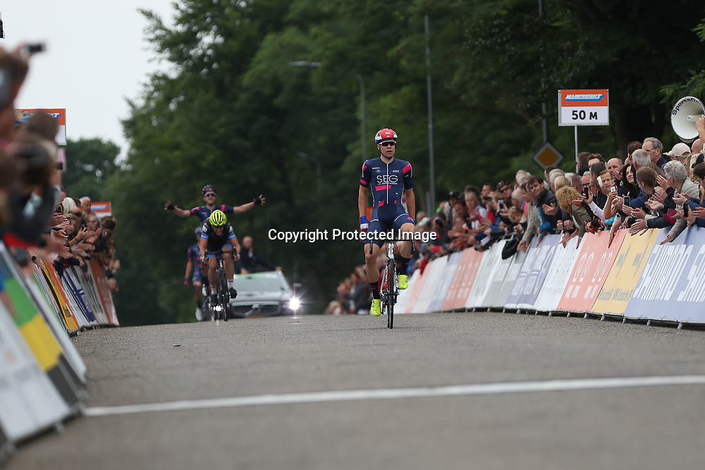 24-06-2017: Wielrennen: NK weg beloften: Montferland     <br /> s-Heerenberg (NED) wielrennen  <br /> Fabio Jakobsen prolongeert zijn beloften titel in Montferland voor Stef Krul en Harthijs de Vries