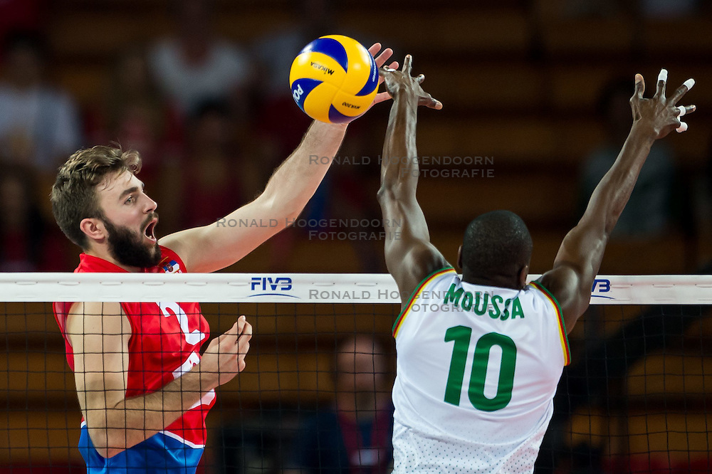 07.09.2014, Centennial Hall, Breslau, POL, FIVB WM, Serbien vs Kamerun, Gruppe A, im Bild Uros Kovacevic serbia #2 Maliki Moussa cameroon #10 // Uros Kovacevic serbia #2 Maliki Moussa cameroon #10 // during the FIVB Volleyball Men's World Championships Pool A Match beween Serbia and Cameroon at the Centennial Hall in Breslau, Poland on 2014/09/07. <br /> <br /> ***NETHERLANDS ONLY***