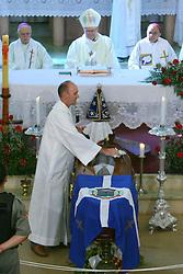 Missa de despedida e sepultamento do cardeal dom Alopisio Lorschieder, na Igreja Matriz São João Batista, em Imigrante-RS. FOTO: Lucas Uebel / Preview.com