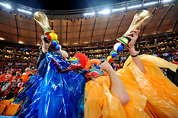 11.07.2010, Soccer-City-Stadion, Johannesburg, RSA, FIFA WM 2010, Finale, Niederlande (NED) vs Spanien (ESP) im Bild Feature Fans Fan von Holland/niederlande, EXPA Pictures © 2010, PhotoCredit: EXPA/ InsideFoto/ Perottino *** ATTENTION *** FOR AUSTRIA AND SLOVENIA USE ONLY! / SPORTIDA PHOTO AGENCY