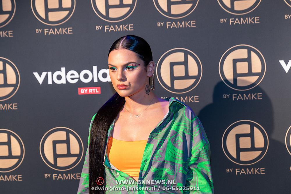NLD/Amsterdam/20200109 - Fashionshow Famke Louise,