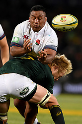 Bloemfontein. Pieter-Steph du Toit in  a fierce attack on his English opponent Mark Vunipola during the second rugby test between South Africa and England at Toyota Park stadium in Bloemfontein. Photographer: Louis Botha/African News Agency (ANA)