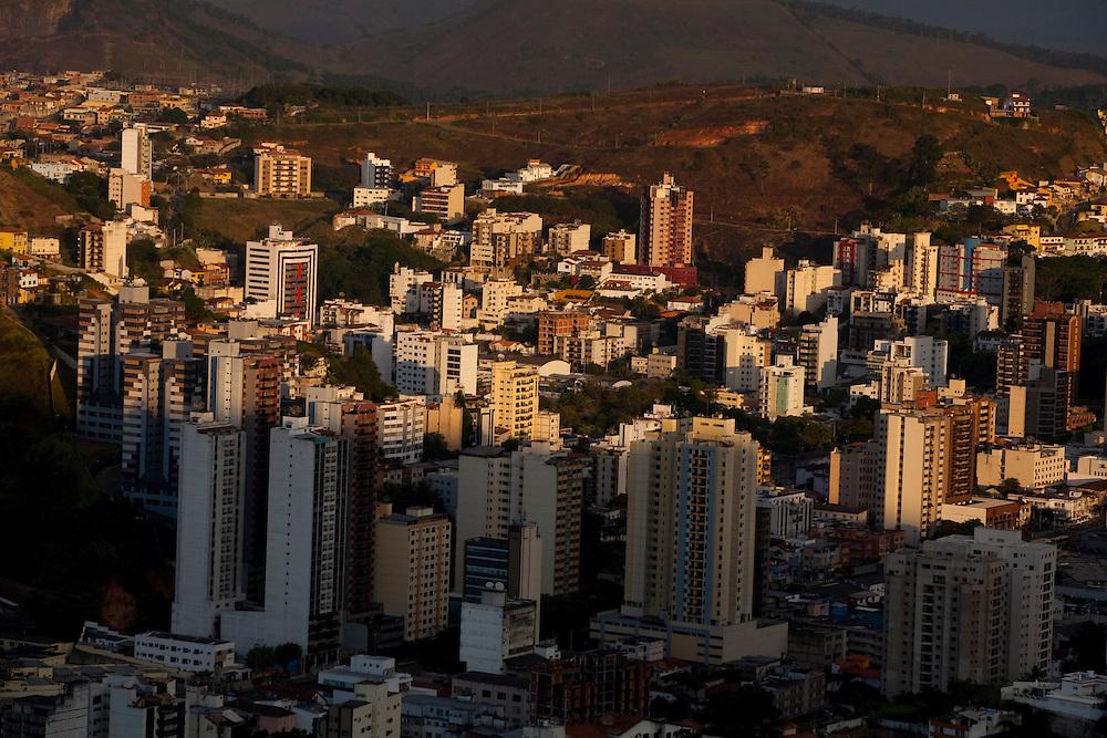Juiz de Fora_MG, Brasil...Vista panoramica da cidade de Juiz de Fora, situado na Zona da Mata Mineira...The panoramic view of Juiz de Fora...Foto: LEO DRUMOND / NITRO.
