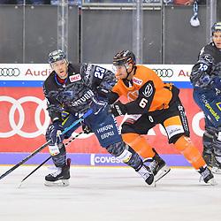 Maurice Edwards (Nr.23 - ERC Ingolstadt) und Christopher Casto (Nr.6 - Grizzlys Wolfsburg), ERC Ingolstadt gegen Grizzlys Wolfsburg am 08.03.2020 in Ingolstadt,<br /> Foto: Johannes TRAUB / JT-Presse.de beim Spiel in der DEL, ERC Ingolstadt (dunkel) - Grizzlys Wolfsburg (hell).<br /> <br /> Foto © PIX-Sportfotos *** Foto ist honorarpflichtig! *** Auf Anfrage in hoeherer Qualitaet/Aufloesung. Belegexemplar erbeten. Veroeffentlichung ausschliesslich fuer journalistisch-publizistische Zwecke. For editorial use only.