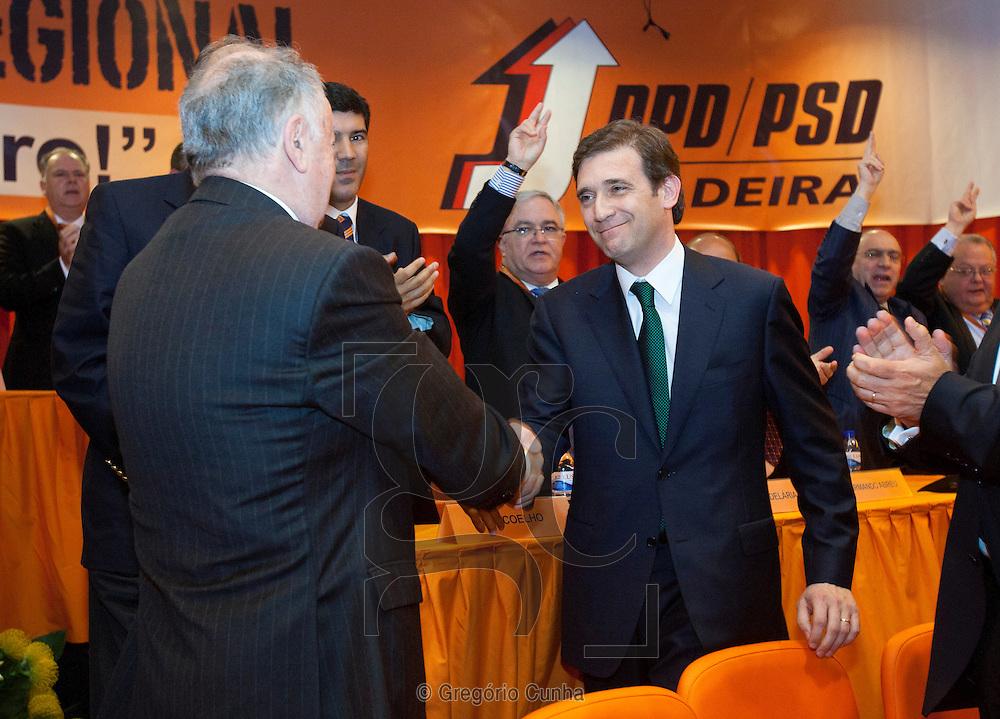 Pedro Passos Coelho e Alberto João Jardim na sessão de encerramento do XIII Congresso  do PSD Madeira..Foto Gregorio Cunha