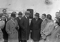 H923 Boxer Gene Tunney arriving in Dublin. In the group that greeted him were Col. Fitzmaurice and Count John McCormack. 24th August 1928. (Part of the Independent Newspapers Ireland/NLI Collection)