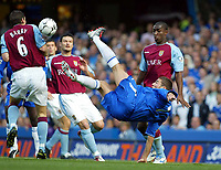 Photograph: Scott Heavey, Digitalsport<br /> Chelsea v Aston Villa. FA BArclaycard Premiership. 27/09/2003.<br /> Adrian Mutu tries a spectacular over head kick