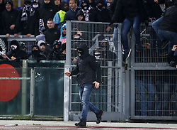 December 13, 2018 - Rome, Italy - SS Lazio v Eintracht Frankfurt - UEFA Europa League Group H.Eintracht supporters try to invade the pitch after minutes of tension with the police at Olimpico Stadium in Rome, Italy on December 13, 2018..Photo Matteo Ciambelli / NurPhoto  (Credit Image: © Matteo Ciambelli/NurPhoto via ZUMA Press)