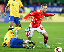 18.11.2014, Ernst Happel Stadion, Wien, AUT, Freundschaftsspiel, Oesterreich vs Brasilien, im Bild Oscar (BRA) und Andreas Weimann (AUT) // during the friendly match between Austria and Brasil at the Ernst Happel Stadion, Vienna, Austria on 2014/11/18. EXPA Pictures © 2014, PhotoCredit: EXPA/ Alexander Forst