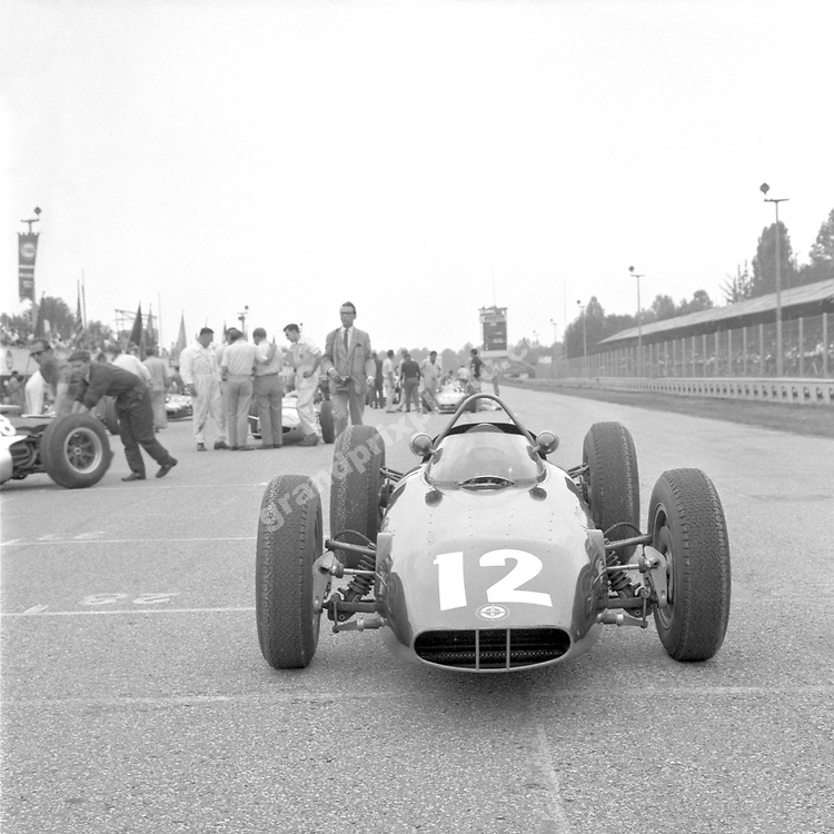 Graham Hill´s BRM on the grid before the 1963 Italian Grand Prix in Monza. . Photo: Grand Prix Photo