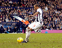 Photo: Leigh Quinnell.<br /> West Bromwich Albion v Coventry City. Coca Cola Championship. 16/12/2006. Diomansy Kamara scores his penalty for West Brom.