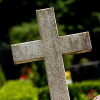 Kirkegård, kors, gravsten, gravsted