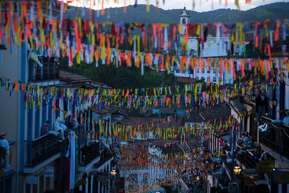 Ouro Preto_MG, Brasil. ..Carnaval nas cidades historicas de Minas Gerais. Na foto ornamentos na cidade...The carnival in the historical city of Minas Gerais. In this photo the ornaments in the town...Foto: LEO DRUMOND / NITRO