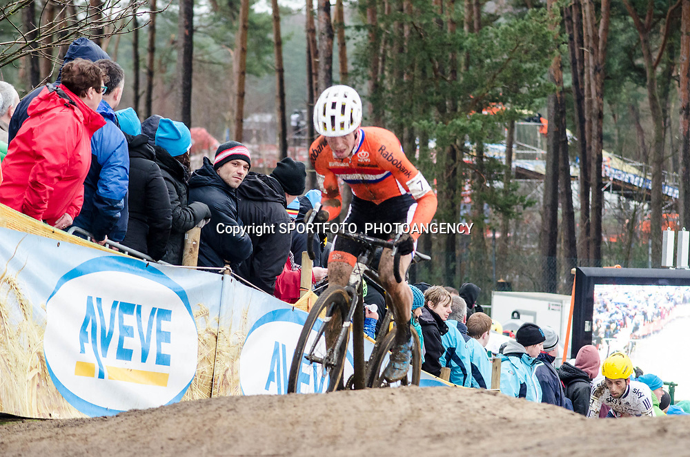 31-01-2016: Wielrennen: WK cyclecross elite: Heusden ZolderHEUSDEN-ZOLDER (BEL) cyclocrossOp het circuit van Terlamen-Zolder streden de elite veldrijders om de mondiale titels in het veld. <br /> WK Zolder Elite: Nils Wubben