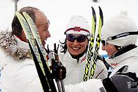 OL 2006 Langrenn kvinner stafett,<br />Pragelato Plan<br />18..02.06 <br />Foto: Sigbjørn Hofsmo, Digitalsport <br /><br />Marit Bjørgen  og Kristin Murer Stemland NOR - Norge får trøst av Hermund Bjerkelid