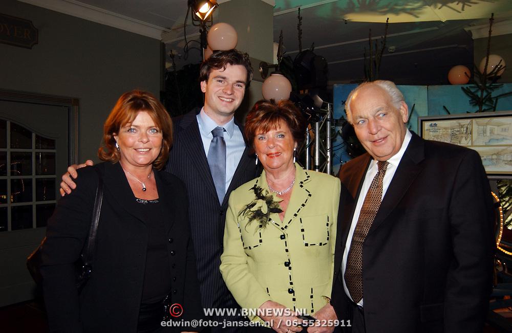 Kerstborrel Princess 2004, Gerrit en Toos van der Valk en kinderen