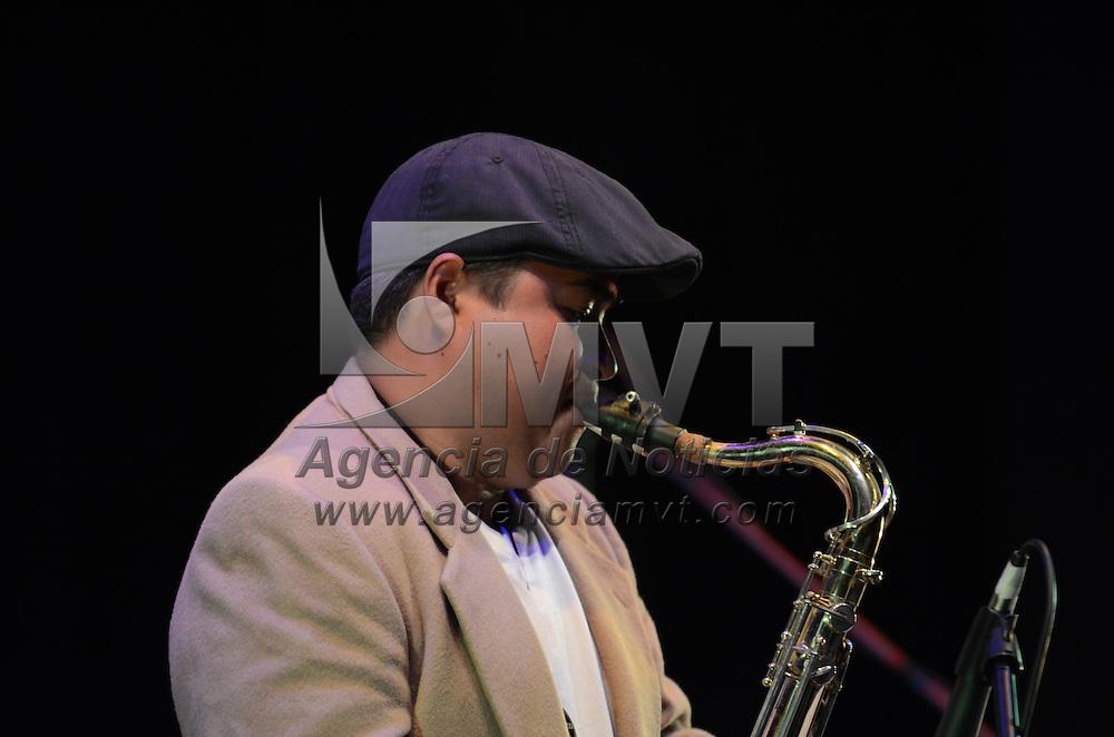 Toluca, México.- Le Bleu Band, Banda de jazz Mexiquense, ofreció un concierto en el Teatro Universitario de los Jaguares, donde interpretraron música tradicional del Edo Mex fusionada con Jazz. Agencia MVT / Arturo Hernández.
