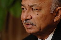 10 NOV 2006, BERLIN/GERMANY:<br /> Shri Sushil Kumar Shinde, Minister für elektrische Energie Indien, waehrend einem Interview, Residenz des Indischen Botschafters in Berlin<br /> IMAGE: 20061110-01-010<br /> KEYWORDS: Energieminister