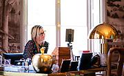 Den Haag, 20 april 2020 - Koningin Maxima belt tijdens de coronacrisis vanuit haar kantoor in Huis ten Bosch. <br /> <br /> The Hague, April 20, 2020 - Queen Maxima calls from her office in Huis ten Bosch during the corona crisis.