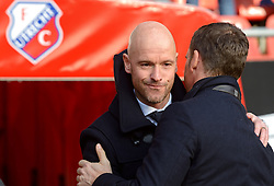 13-12-2015 NED: FC Utrecht - AFC Ajax, Utrecht<br /> Utrecht verslaat Ajax opnieuw in de Galgenwaard 1-0 / Coach Erik ten Hag wordt gefeliciteerd door Coach Frank de Boer